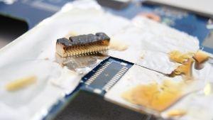 On Board Displaybuchse Reparatur / Austausch / Ersatz